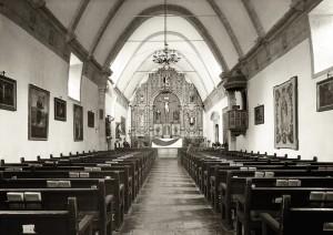 Huber_Craig Alan_Mission San Carlos Borromeo del Rio Carmelo_Parishioners View